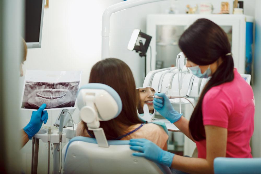 Dental Bridges to Replace Missing Teeth